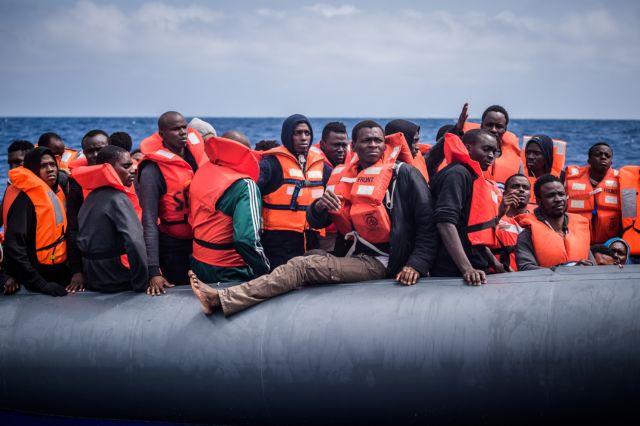 Αύξηση προσφυγικών ροών σε ελληνικά νησιά και ΕΕ, σε σχέση με πέρυσι τον Ιούλη