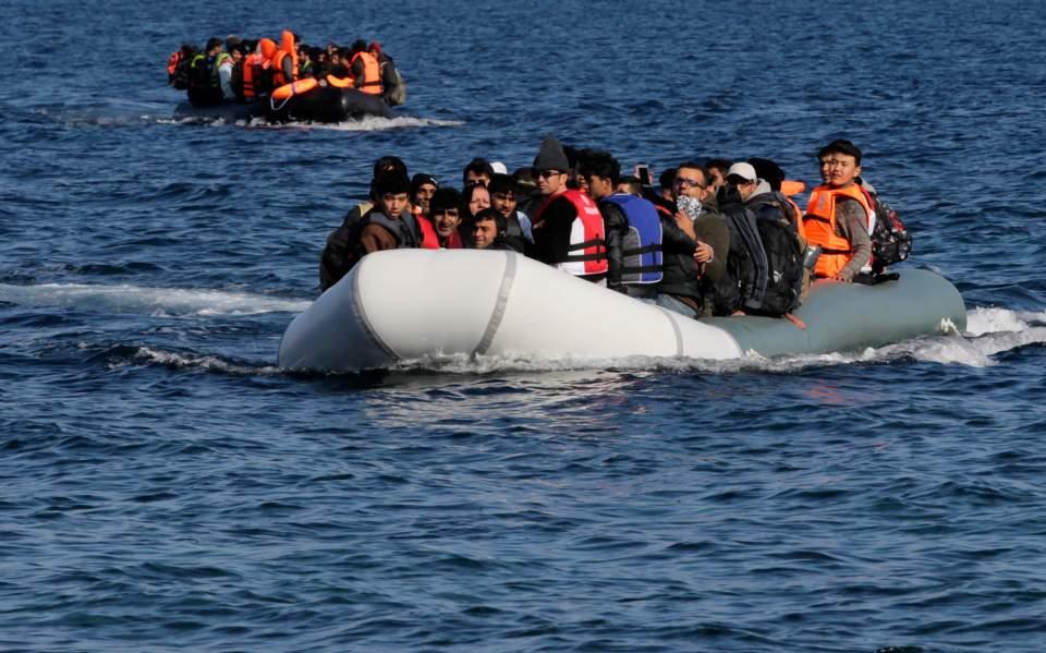 Δεκατρείς μετανάστες μεταξύ των οποίων και μία 65χρονη νεκρή περισυνελέγησαν στο Κοκάρι