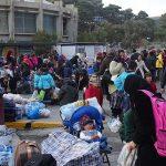"""Στις 7.00 το απόγευμα θα καταπλεύσει στη Σάμο το """"Paros jet"""" προκειμένου να παραλάβει 700 αιτούντες άσυλο"""