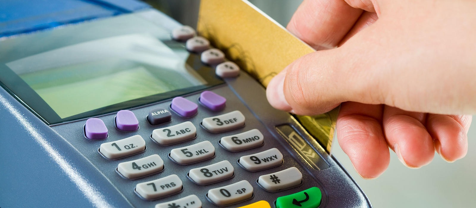 Αφορολόγητο: Στο 30% του εισοδήματος οι ηλεκτρονικές πληρωμές
