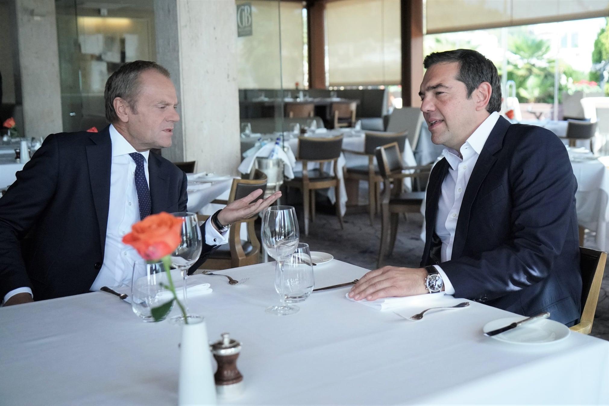 Γεύμα Τσίπρα – Τουσκ -Προσφυγική κρίση, Τουρκία και Brexit  στο μενού