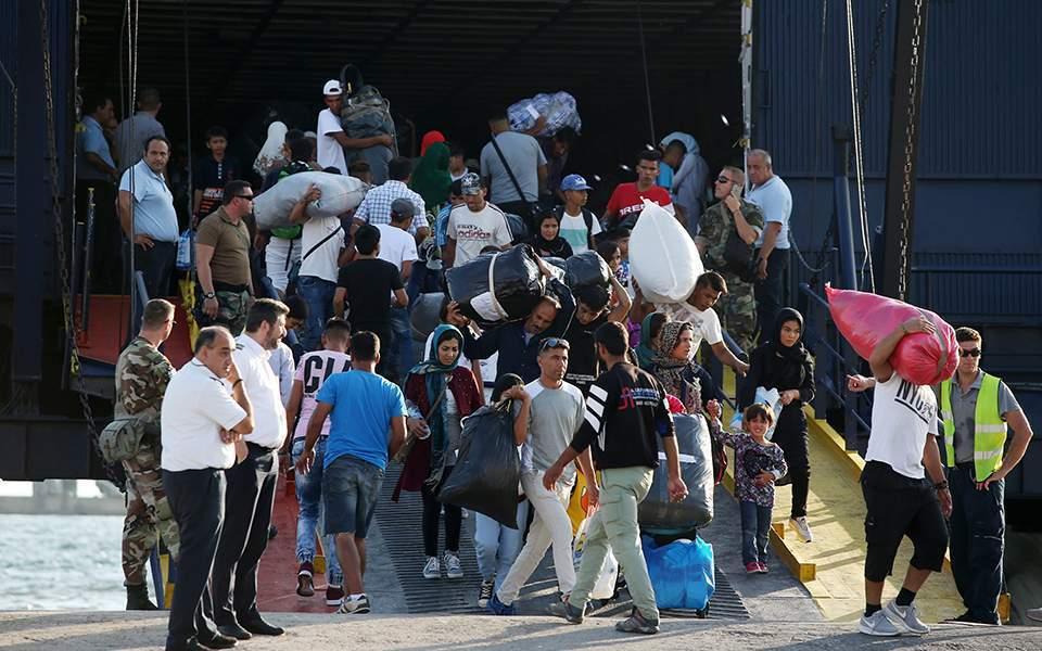 Σε στρατόπεδο φιλοξενίας στη Ριτσώνα θα μεταφερθούν 634 αιτούντες άσυλο