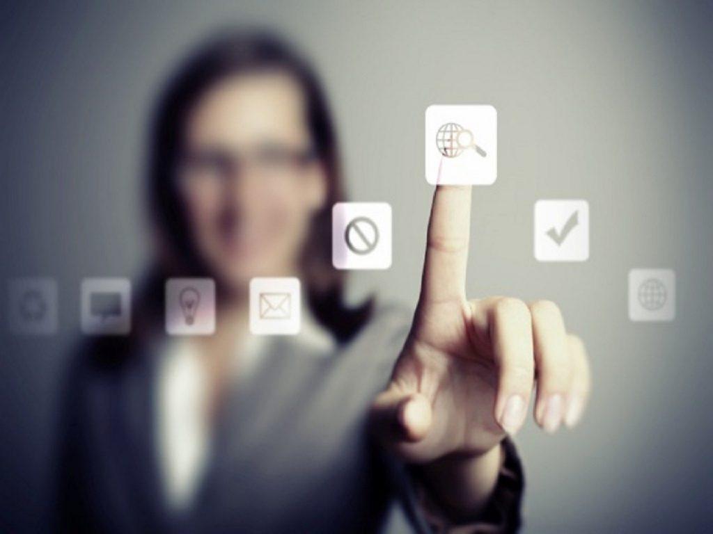 Η μετάβαση στην ψηφιακή εποχή – Υπηρεσίες για τους πολίτες με ένα κλικ – Τι αλλάζει για τους εργαζόμενους