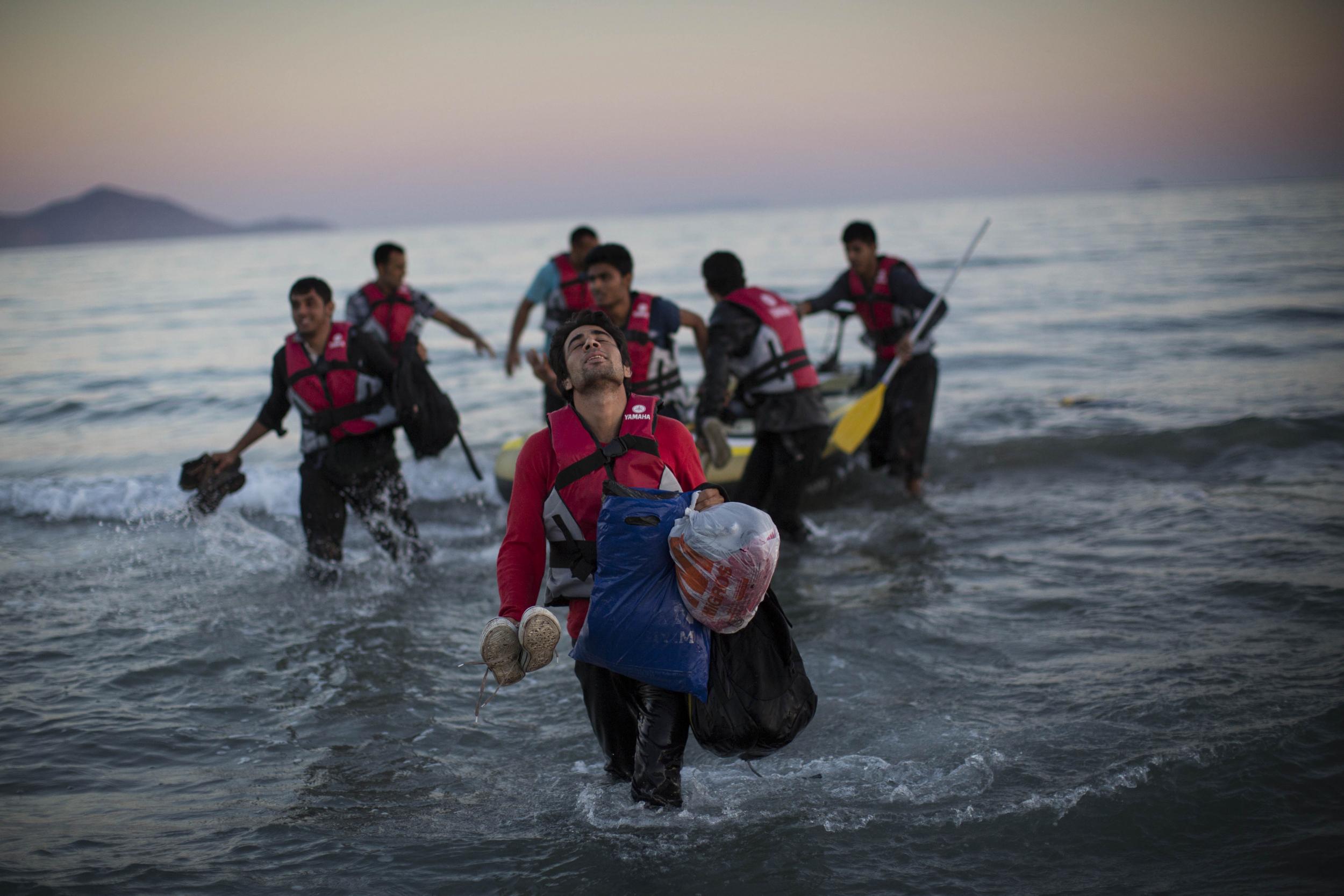 Δημοσκόπηση για τους πρόσφυγες: Απειλή τους θεωρεί το 65% των νησιωτών