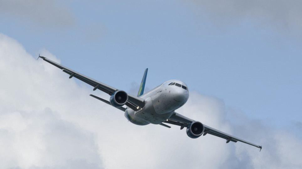 Αεροπλάνο ναύλωσε ο δήμαρχος Σπάτων για να επιστρέψουν μαθητές από Ιταλία