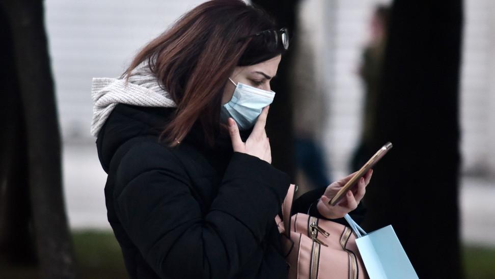 Λουράντος: Τέλειωσαν οι μάσκες στα φαρμακεία – Εξαντλούνται και τα αντισηπτικά
