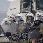 Πέτσας: Αποσύρονται από Χίο και Λέσβο οι δυνάμεις των ΜΑΤ