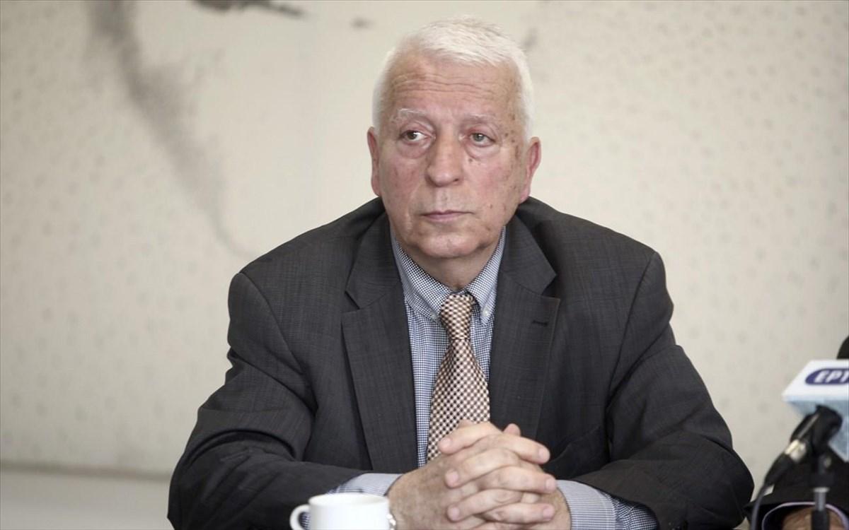 Παράταση της απόφασης για την μη αποδοχή αιτήσεων ασύλου, ζητά o Κ. Μουτζούρης