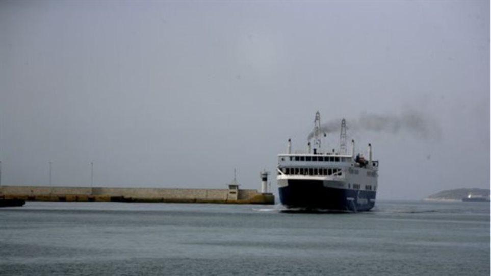 Κορωνοϊός: Μόνο οι μόνιμοι κάτοικοι των νησιών θα ταξιδεύουν με τα πλοία