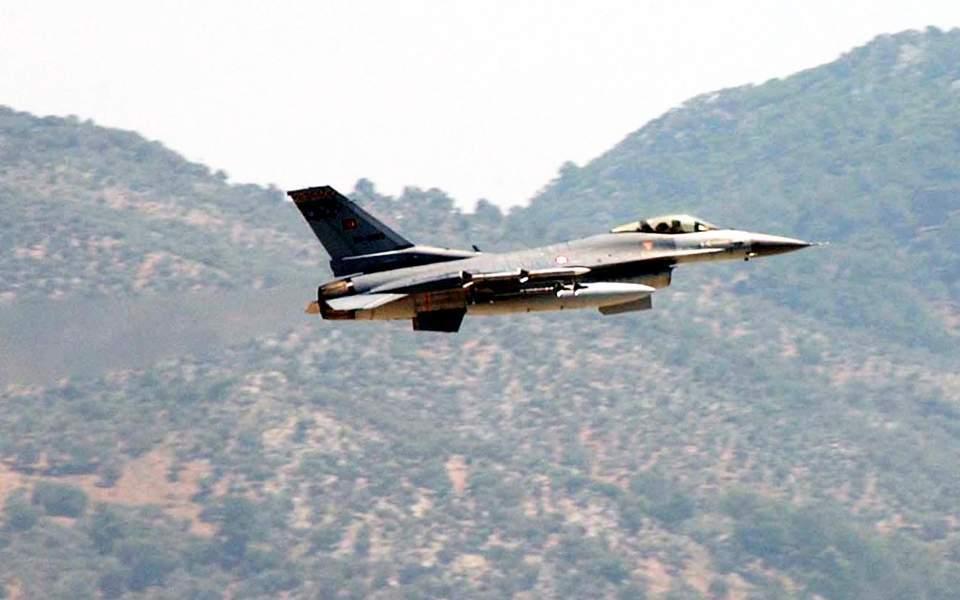 Τουρκικά F-16 πέταξαν πάνω από τη Ρω ανήμερα του εορτασμού της εθνικής επετείου