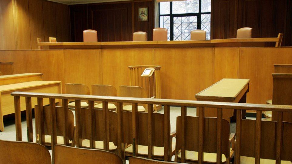 Παρατείνεται η αναστολή στη λειτουργία των δικαστηρίων λόγω κορωνοϊού