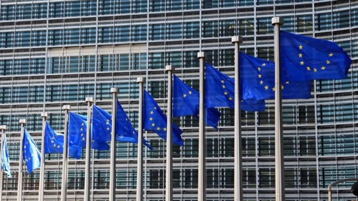 """Κομισιόν: H Ελλάδα εκπλήρωσε τους στόχους του προγράμματος – """"Πράσινο φως"""" για τα 748 εκατ. ευρώ"""