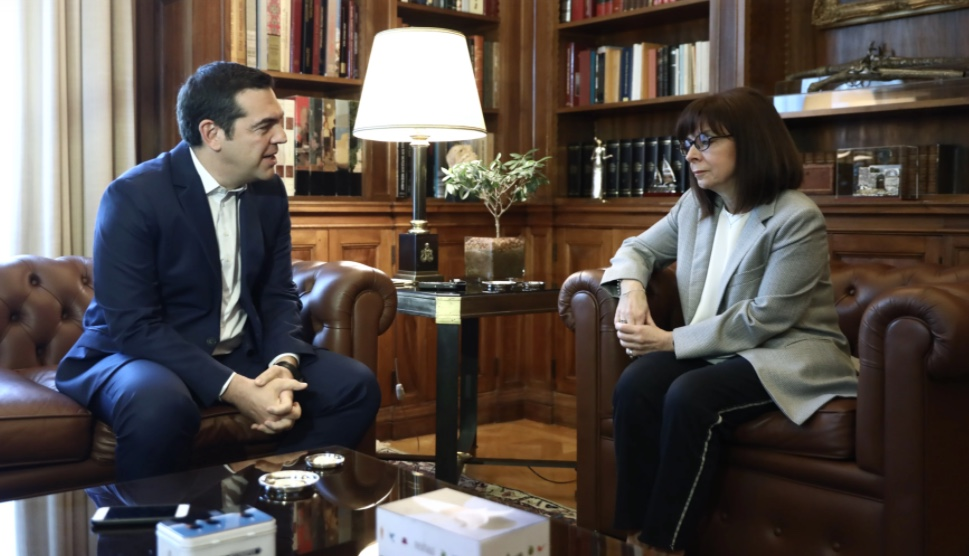 Συνάντηση Τσίπρα – Σακελλαροπούλου: «Ανεπαρκή τα μέτρα της κυβέρνησης» – «Να ενισχυθούν οι ευάλωτες ομάδες»