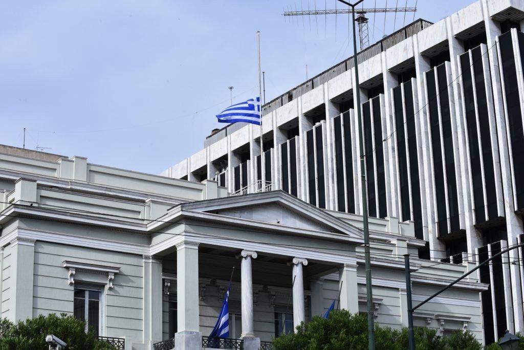 ΥΠΕΞ: Καμία ξένη δύναμη δε βρίσκεται σε ελληνικό έδαφος – Επίθεση Δένδια σε Συριζα