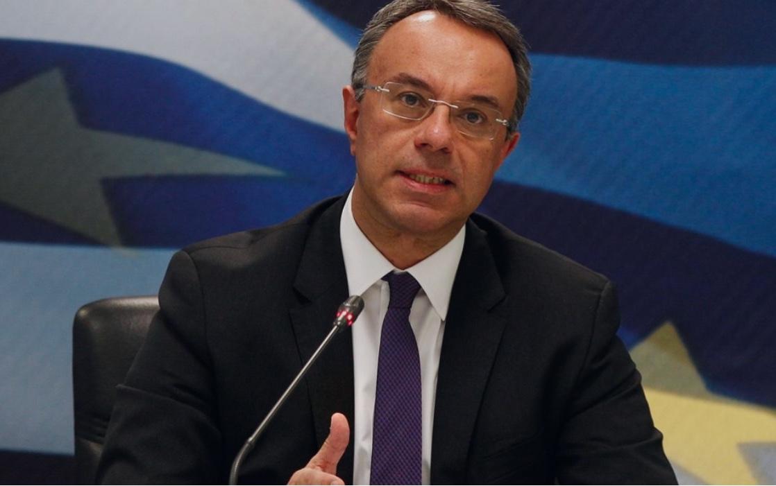 Σταϊκούρας: Έρχονται μειώσεις στις ασφαλιστικές εισφορές – Καμία μείωση μισθών στο Δημόσιο